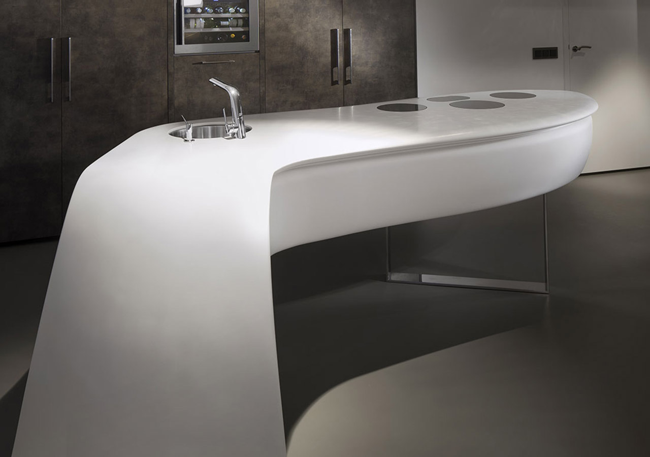 Whether architects, designers or private individuals, our range of products HI-MACS® Acrylic Solid Surface appeals to everyone wishing to work with a high capacity material as aesthetically pleasing as it is resistant.